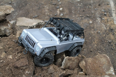 DF-4S Scale-Crawler mit Beleuchtung